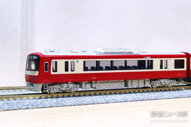 京急 2100型 試作品 入線